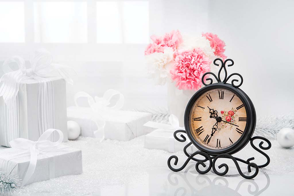Avon_Table_Clock_decor
